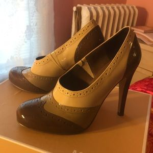 Guess by Marciano patent oxford style heels